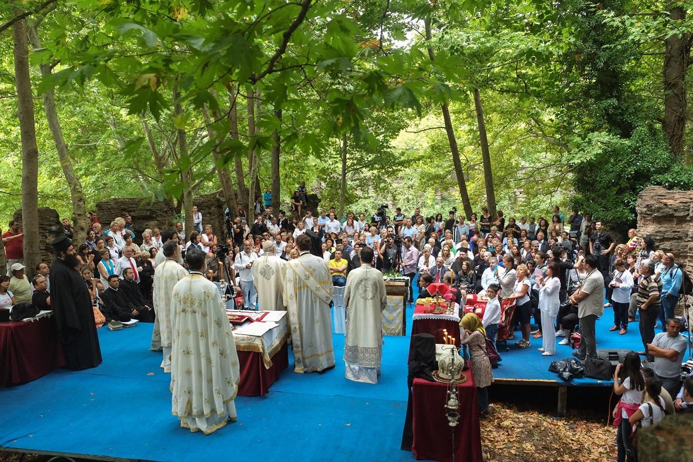 Πλήθος προσκυνητών και μεγάλη συγκίνηση στην Πατριαρχική Θ. Λειτουργία στην Φανερωμένη Κυζίκου